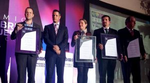 Celebra Centro Urbano premio a la vivienda