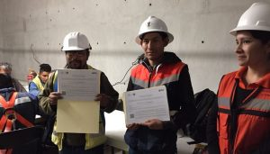 Entrega de certificados en aula Reforma