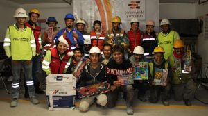 Entrega de juguetes en aula Reforma de Grupo Eco, gracias a CEMEX