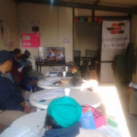 Proyección de video motivacional en Villas Tonanitla